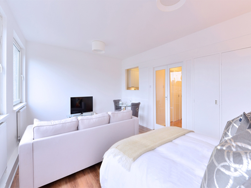 1 Bedroom Apartment in Luke House, Abbey Orchard Street, near Buckingham Palace in Central London